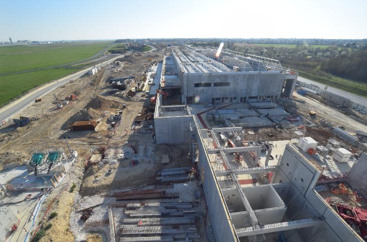 Photo aérienne du chantier du site de maintenance et de remisage, à Morangis