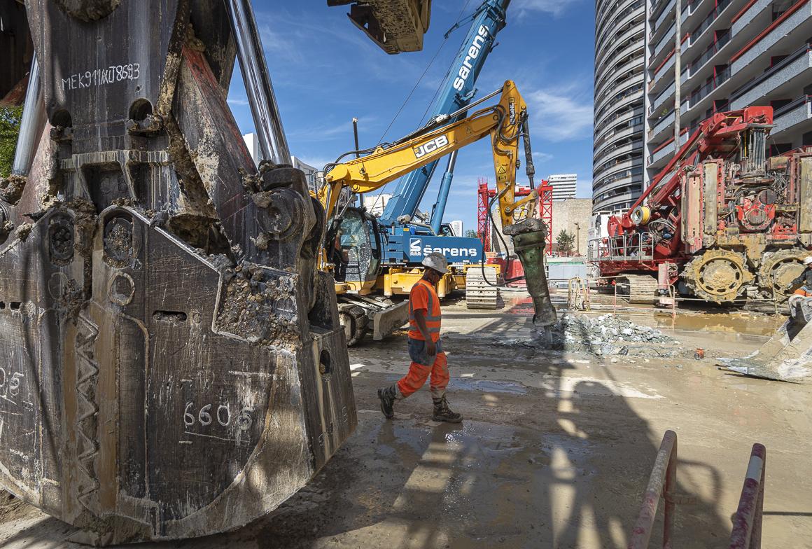 Photo d'engins sur le chantier de la gare Maison-Blanche Paris XIIIe