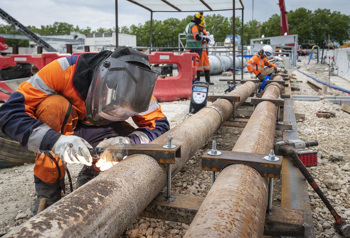 Photo du déploiement des réseaux sur le chantier de la gare Pont de Rungis, en mai 2019