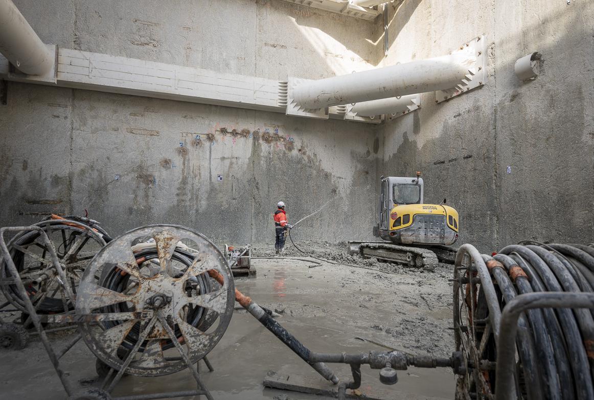 Photo de la voûte parapluie en cours de construction dans le puits Jean Prouvé