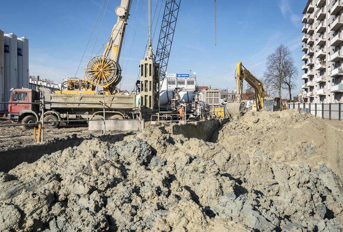 Photo de la construction des parois moulées à Chevilly Trois-Communes, en février 2019