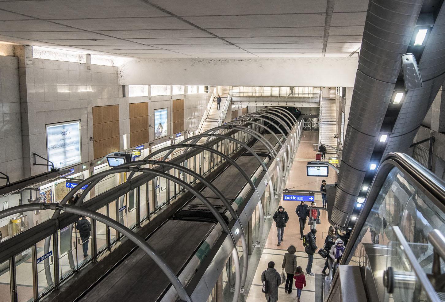 Station Cour Saint-Émilion de la ligne 14