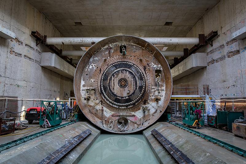 Photo du bouclier de Koumba désolidarisé du reste de la machine, en octobre 2020