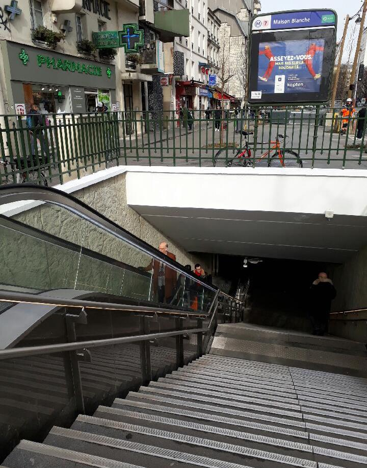 Photo du nouvel escalier mécanique à Maison Blanche