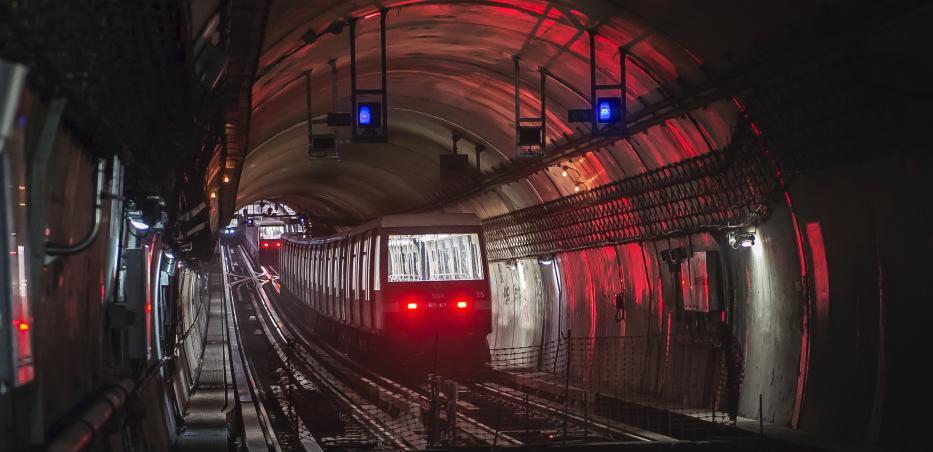 Photos de trains stationnés sur voies de garage en bout de la ligne 14