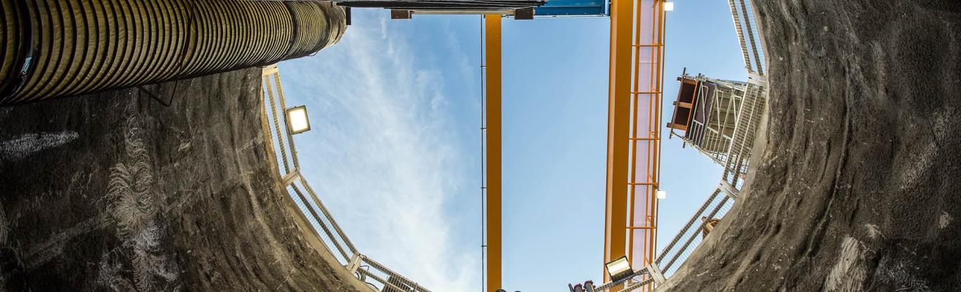 Photo du chantier Union RN7, depuis le fond du puits du futur ouvrage de secours et d'épuisement