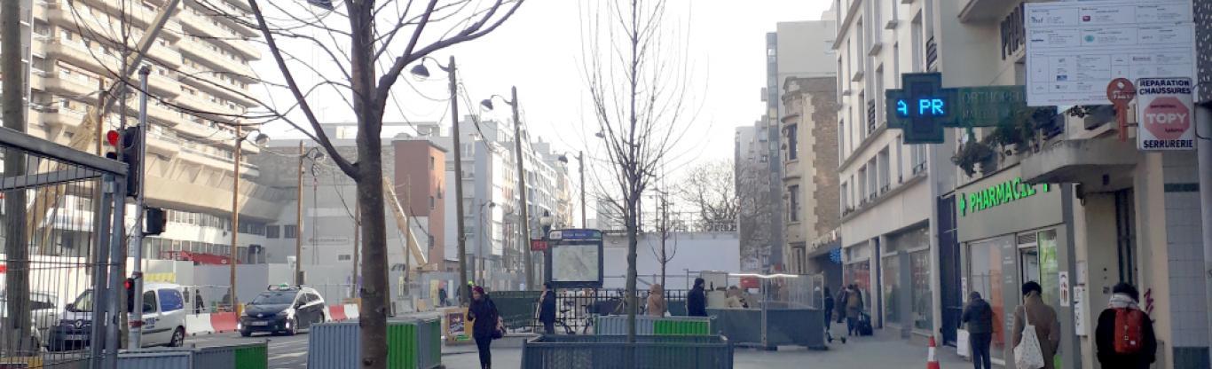 Photo du côté pair de l'avenue d'Italie, remis en état avec la plantation de nouveaux arbres