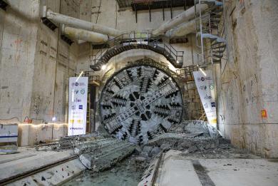 Photo du tunnelier Allison franchit le tympan sud de la gare Kremlin-Bicêtre Hôpital