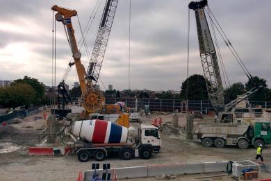 Vue sur le chantier du futur ouvrage Jean-Prouvé pour le prolongement au sud de la ligne 14.