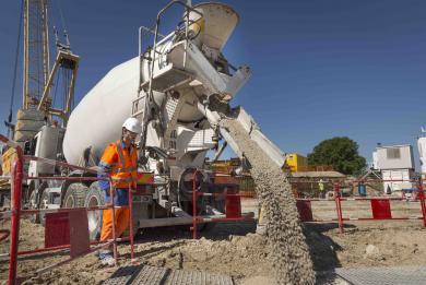 Exemple photo d'injection de béton pour les parois moulées du chantier du Site de maintenance et de remisage de Champigny.