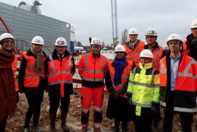 Photo des élus et représentants d'Orly et Thiais accompagnés de l'équipe projet RATP sur le chantier de la gare Pont de Rungis le 28 novembre 2018.